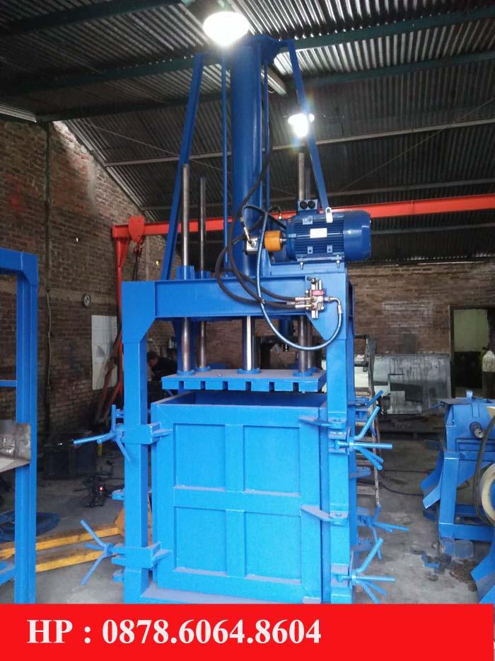 Mesin press limbah plastik hidrolik
