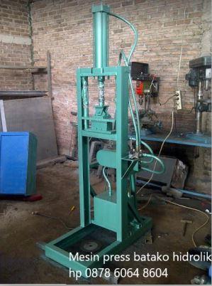 mesin press batako hidrolik
