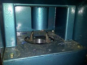Mesin pengupas ring gelas