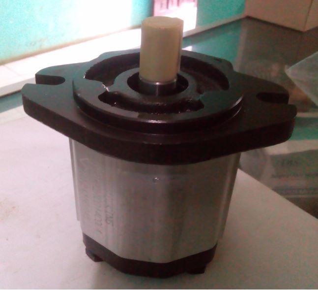 Pompa mesin hidrolik