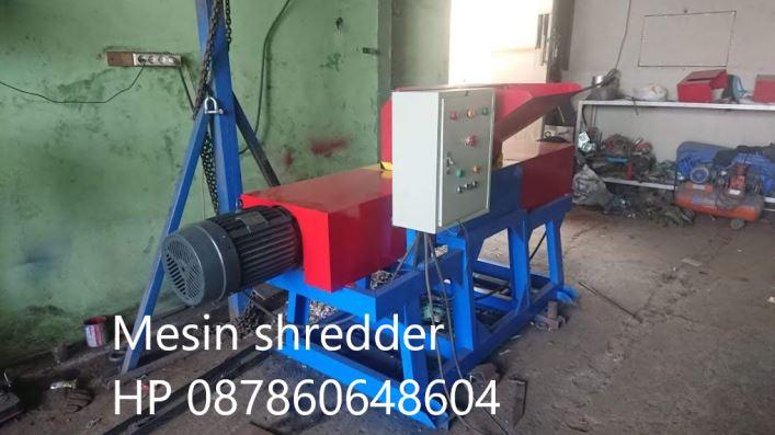 Rancang bangun mesin shredder