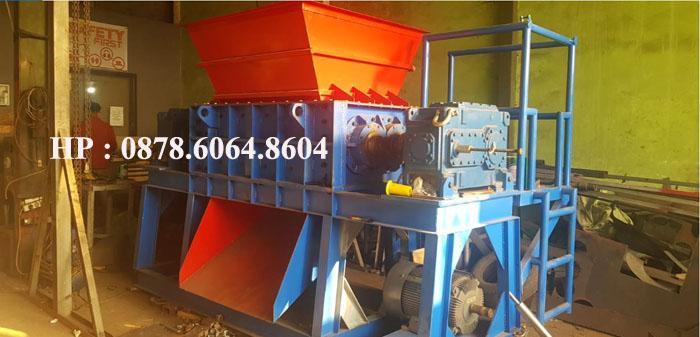 Mesin pencacah janjang sawit