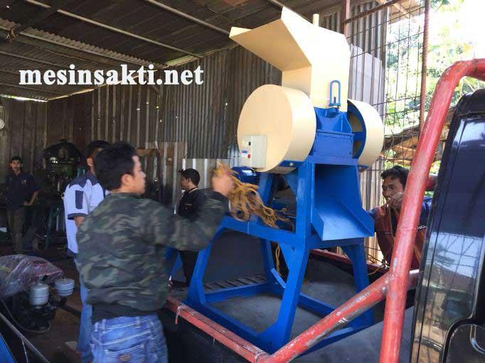Pengiriman mesin penghancur damar dan ayakan ke Jawa tengah