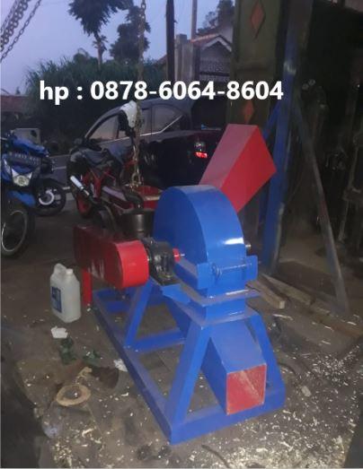 Mesin pencacah kayu