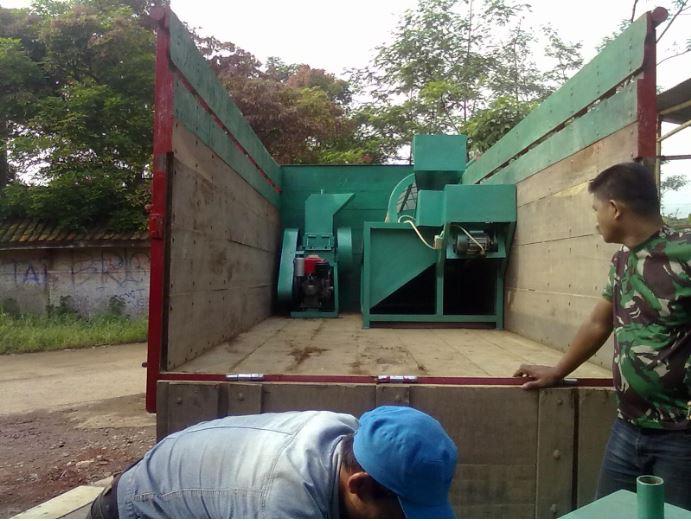 Mesin crusher untuk menghancurkan plastik, kertas dan kompos