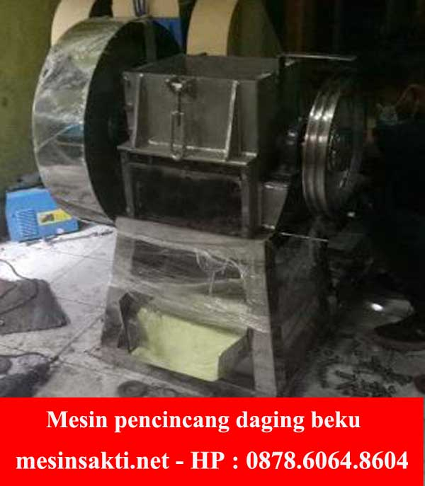Mesin pencincang daging beku
